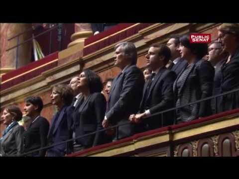 Les membres du Congrès de Versailles chantent la Marseillaise