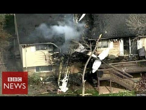 Plane crashes into a  Colorado house - BBC News