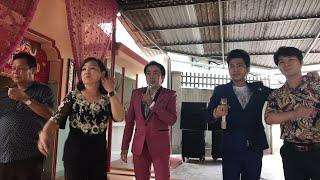 Hồ Minh Đương hát trực tiếp bài Tiền Thắng Tình Thua tại miễu Mẹ ( 3 Cây Me ) q2.