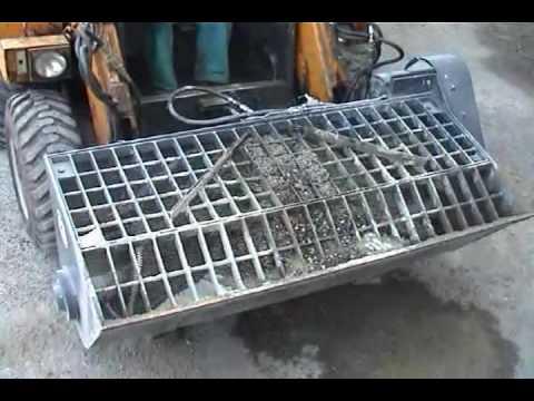 Míchání betonu nakladačem Locust