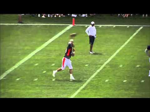 NFL: Peyton Manning throws at Broncos preseason camp