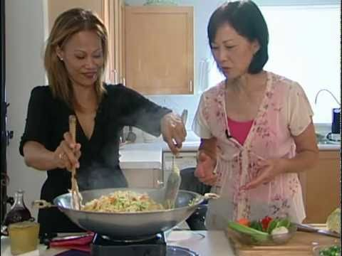 Home Cooking with Audrey: Waipahu Pancit with Christine Pasqual