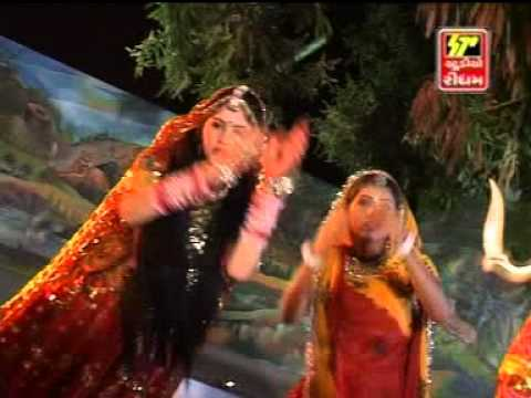 Chamunda Madi Ramva Ne Aavo video