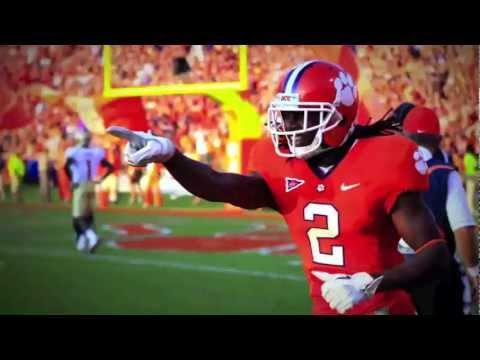 Clips of the year that was in College footbal in 2011 mixed with Green Day.