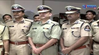 5 IPS officers in fray for Telangana DGP post - ExpressTV