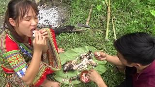 Survival skills: Primitive skills catch big fish - Yummy cooking big fish - Eating delicious