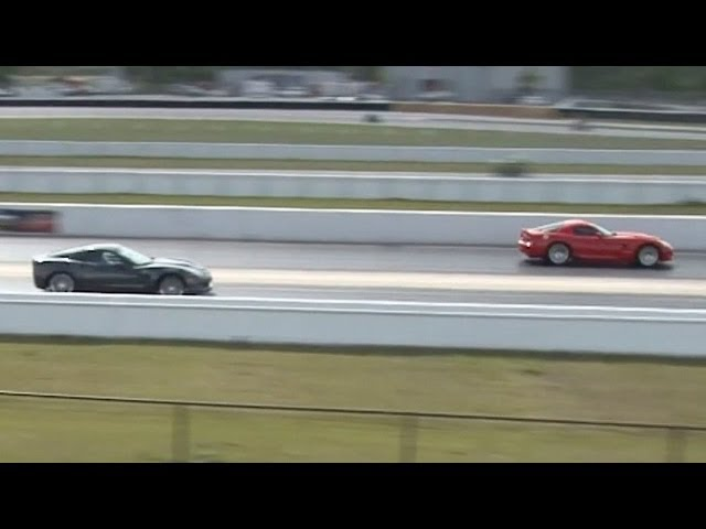 2010 Chevrolet Corvette ZR1 vs 2008 Dodge Viper SRT10 Drag Racing 1/4 Mile