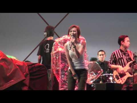 Mahanakorn The Riverfront Music Fest – พัดชา