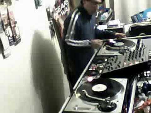 Hard House 90′s DJ Venny Mezclando en vivo en Junkie's 13-12-2013