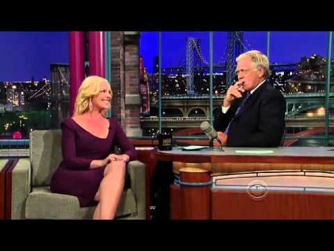 Katherine Heigl uses an E-Cigarette with David Letterman