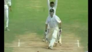 Steve Waugh Out handling the ball