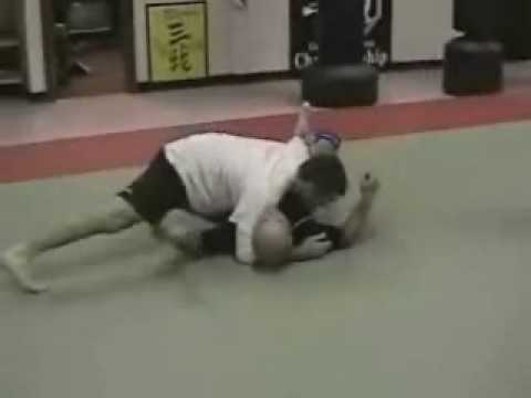 Standing Guard Break to Knee Across Guard Pass - Grappling, BJJ Image 1