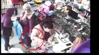 Thief Caught On Camera: This Old Woman Is A Master