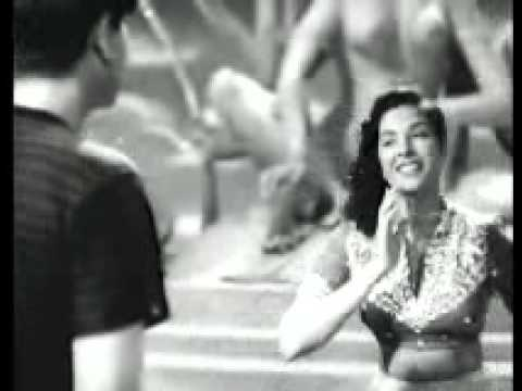 Ghar Aaya Mera Pardesi.flv video