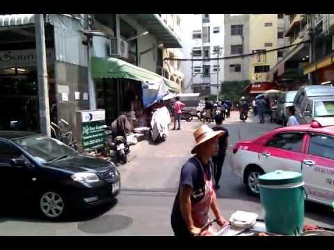 life in the streets of bangkok thailand thai girls women bargirls hookers food market travel funny