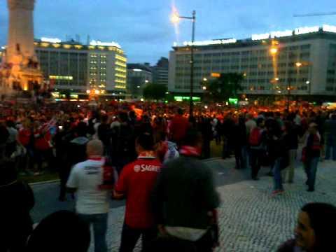 Festa no Marqu�s de Pombal - Benfica Campe�o 2013/2014
