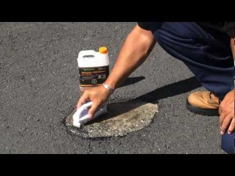 Apply Dirt & Grease Cleaner for Asphalt