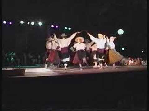 La agrupación santa Cecilia de Huesca, lleva en su repertorio esta gran coreografía de Pablo Luis Maza. No recuerdo si se acabó la cinta o la batería, pero n...
