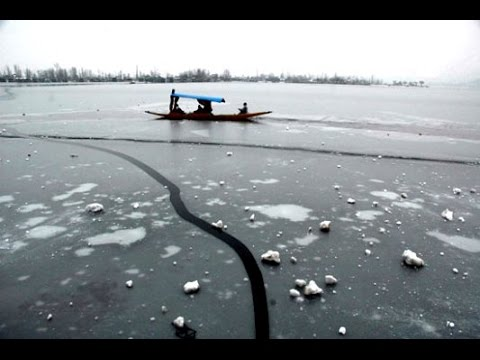 Dal Lake freezes, Srinagar records 1.5 degree Celsius temperature