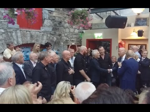 Coda singing for Vice President Joe Biden at Matt Molloy's Yard Bar, Westport, Co Mayo.