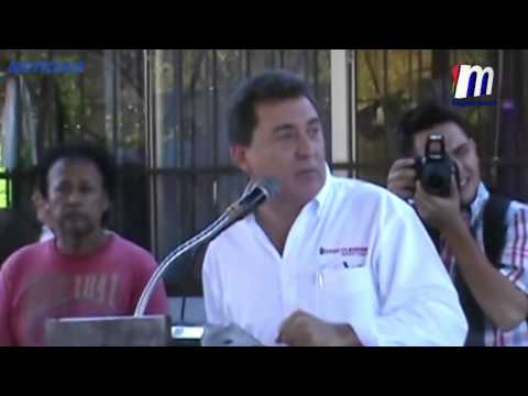 Asiste Alcalde Otto Claussen a Lunes Cívico en la Escuela Lázaro Cárdenas de Guaymas