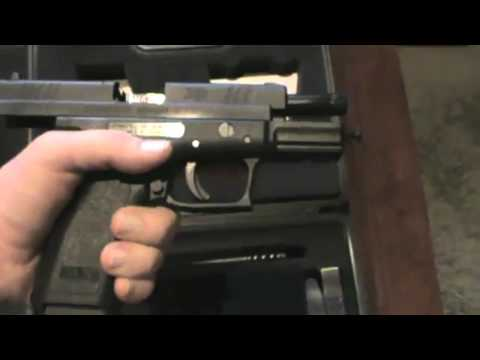 Springfield Armory XD-9 Unboxing and Accessories