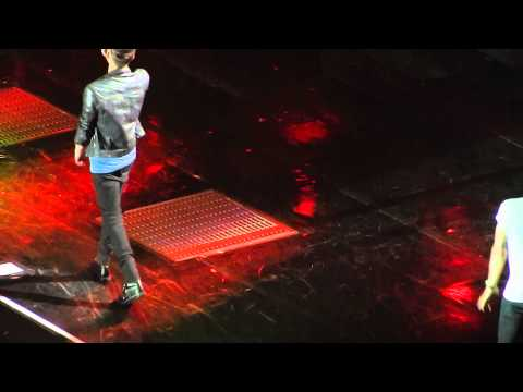 Kiss You - One Direction - O2 Arena Berlin, Germany 11.05.13 video
