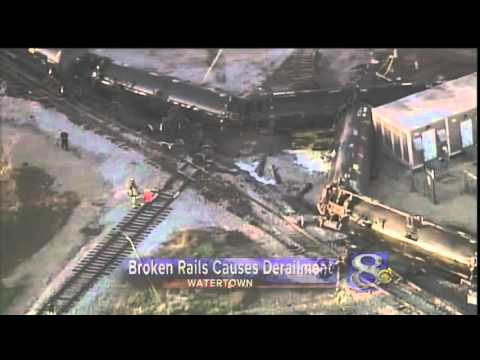 Broken rail caused oil train derailment in Wisconsin