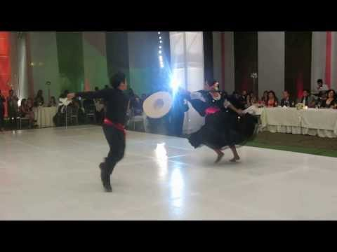 Baile de exhibición Marinera Norteña