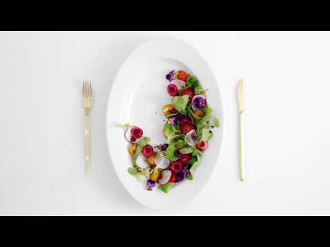 Тизер: Салат из помидоров с цветами и одним тайным ингредиентом
