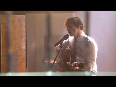 Sondre Lerche - Thirteen (Big Star cover, live at Trygdekontoret)