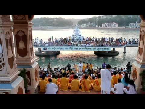 Hanumanji Ki Aarti Rishikesh video