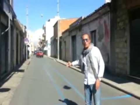 A Ragusa le strisce blu più pazze del mondo: ricoprono l'intera carreggiata