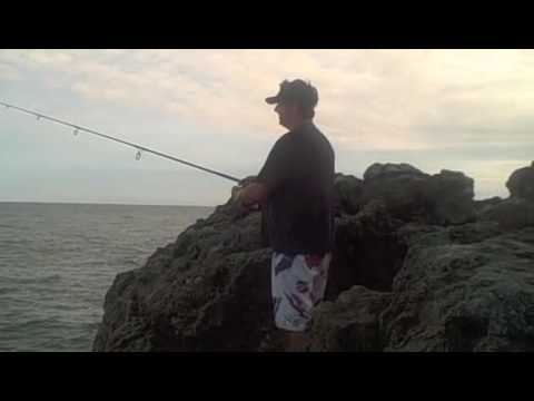 2010 Mexico Fishing Trip (Episode 3) :Sunrise Shore-fishing