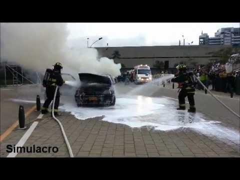 Bomberos de Medellín se preparan con simulacros para afrontar potenciales emergencias