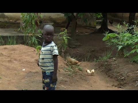 Ebola leaves orphans alone in Sierra Leone