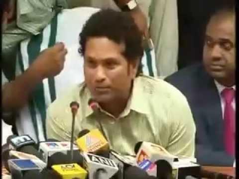 Sachin Tendulkar names his football team Kerala Blaster (Hindi)