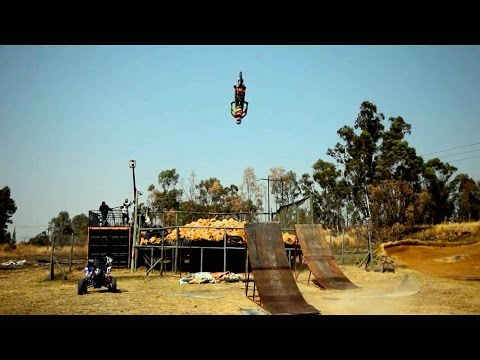 Training for freestyle motocross with Nick de Wit
