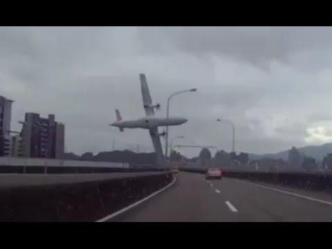 Taiwan - Plane CRASH