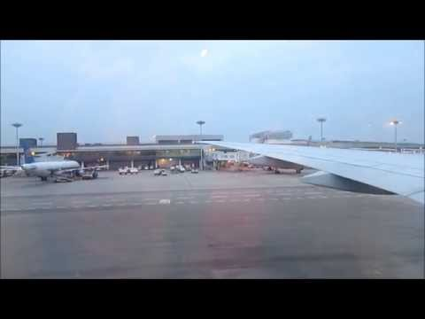 Cathay Pacific Boeing 777-300ER Economy Class Flight: CX 650 Singapore - Hong Kong [Part 1]