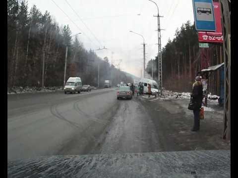 Момент аварии с участием маршрутки