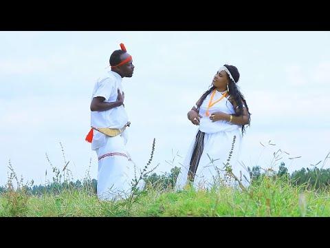 Okaash fi Faaxumaa (Bareedduu Afran aql'oo) - New Ethiopian Oromo Music 2019(Official Video) thumbnail