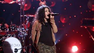 """Alessia Cara - 米The Ellen Showにて""""Wild Things""""をスタジオライブで披露 映像を公開 thm Music info Clip"""
