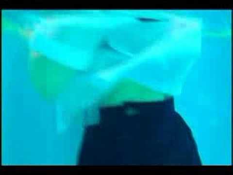 大塚ひながプールで濡れる