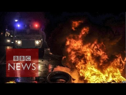 Turkey clashes between Kurds & police at Kobane protests - BBC News