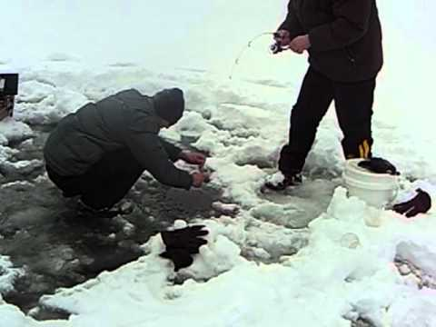 Ice fishing 2011 on granby lake colorado youtube for Lake granby fishing report