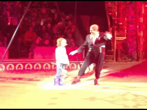 Harry Mose Clowns Around at Big Apple Circus