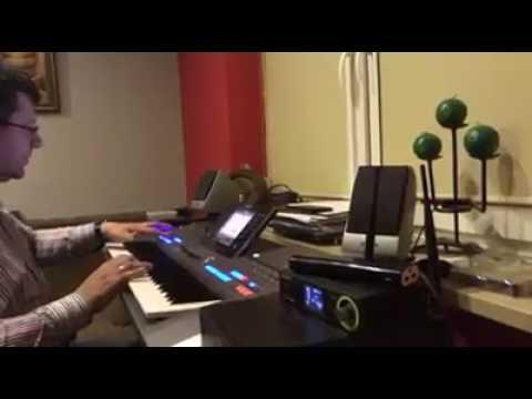 Zbigniew Stonoga Gra Na Keyboardzie