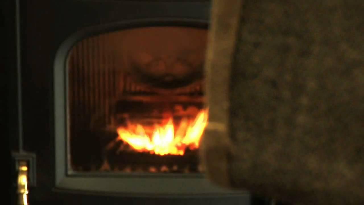 chauffage henneton hollain po le pellet chaudi re gaz mazout bois youtube. Black Bedroom Furniture Sets. Home Design Ideas