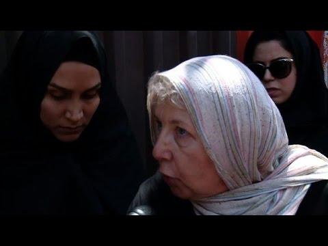 Iran: la mère d'un journaliste jugé espère sa libération